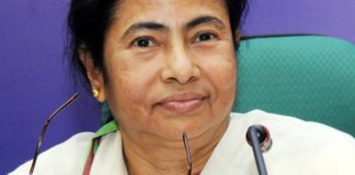 mamta threatened to sit on dharna outside modi house