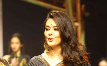 Preity Zinta walked the ramp in unique style view photos