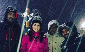 Sunny Leone came to roam in kashmir
