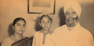 see childhood pictures of all the artists of the Kapil Sharma show.