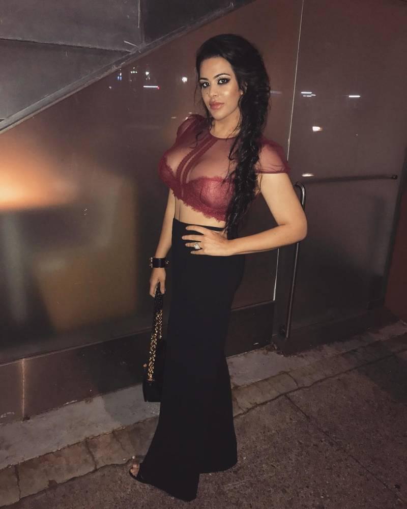 sanjay-dutt-daughter-trishala-dutt-hot-pictures